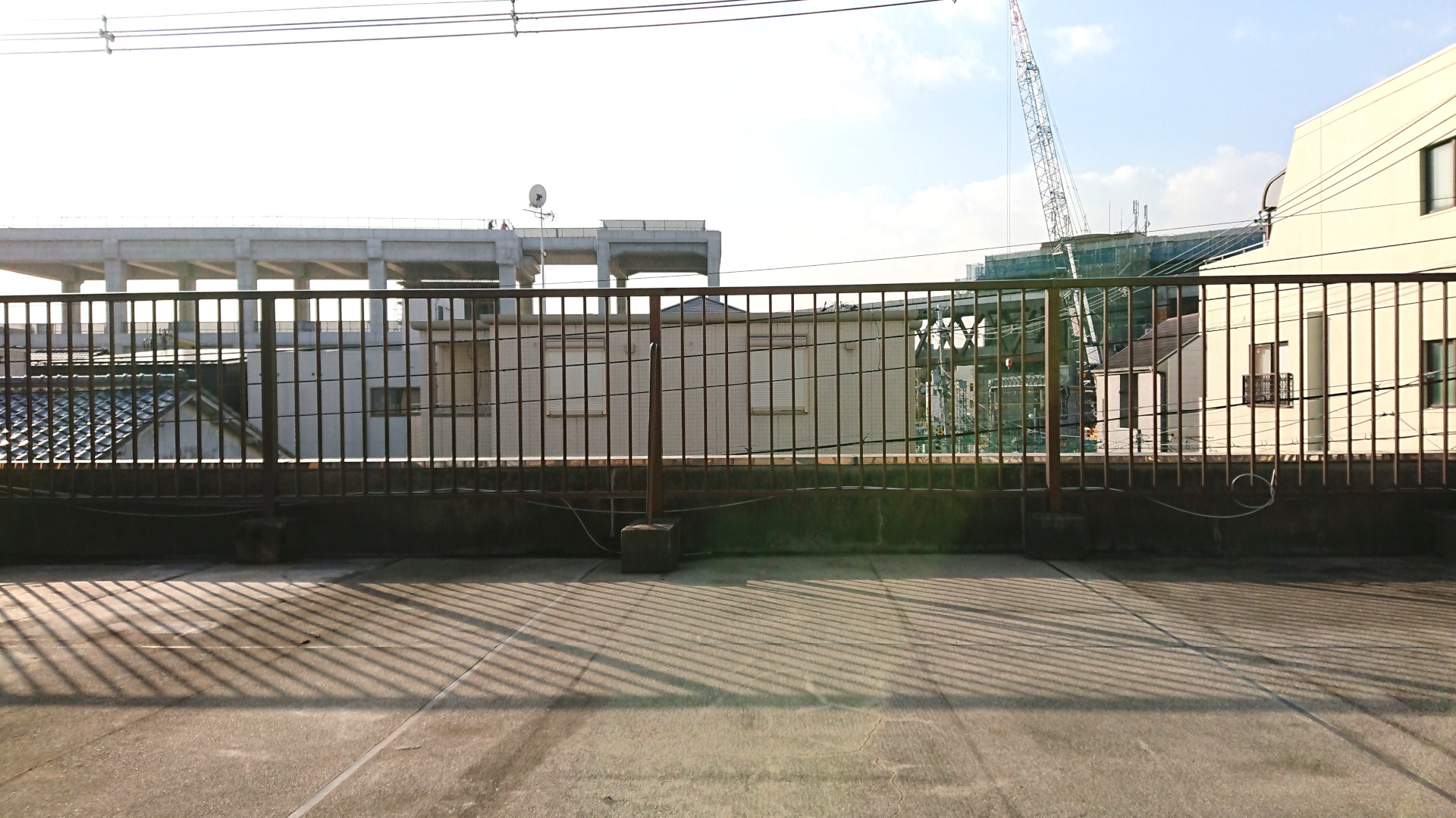 淡路駅のシェアオフィス・レンタルオフィス・コワーキングスペース淡路駅前ラボ屋上テラス