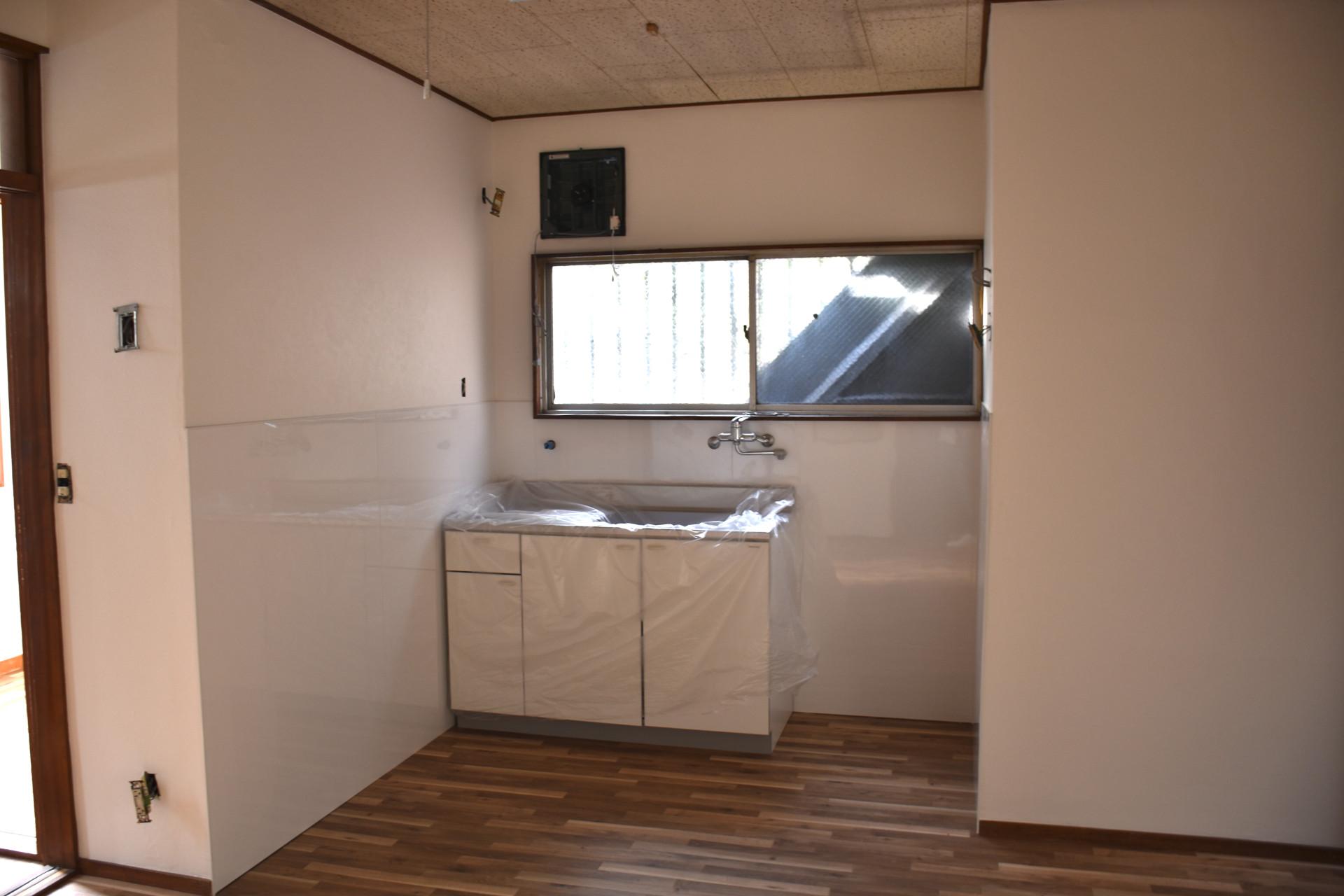 淡路駅の賃貸事務所「淡路駅前ラボ」給湯スペース